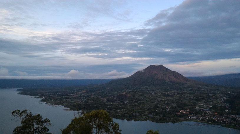 Batur caldera Trekking