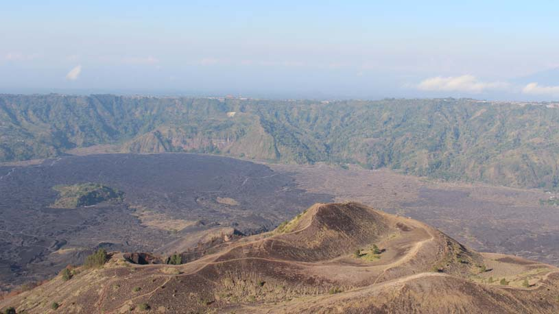 Climbing mount Batur without guide