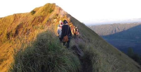 10 Things Should You Expect and Prepare for Trekking up Mount Batur before Sunrise