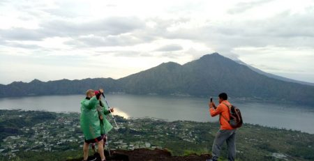 10 Benefits of climbing Mount Batur for Health and Entertainment